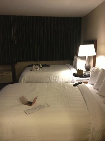 Crowne Plaza Hotel: Beds