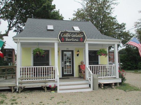 Caffe Gelato Bertini : Cute shop