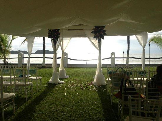 Bahia del Sol Beach Front Boutique Hotel: My friend's wedding set-up!  So pretty!