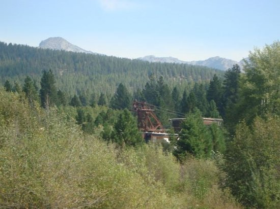 Sumpter Valley Railway: Gold dredge seen from the trail