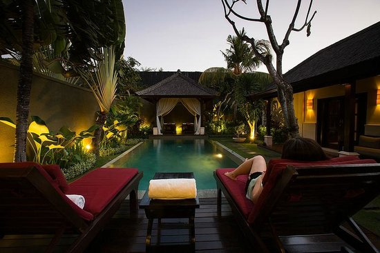 The Ulin Villas & Spa: Chilling out on a Lovely Evening