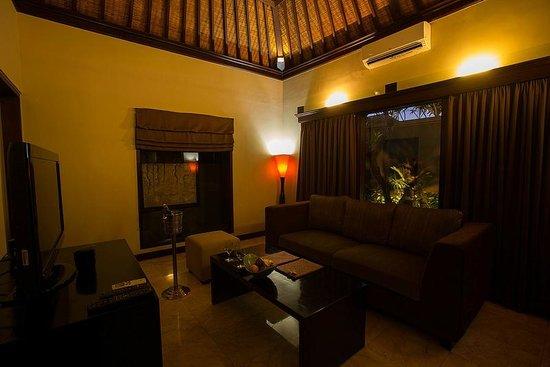 The Ulin Villas & Spa: Living Room Area