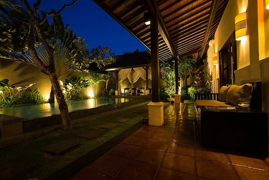 The Ulin Villas & Spa: View From Entrance