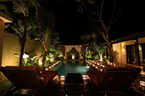 The Ulin Villas & Spa: Candle light Dinner Like  A BOSS!