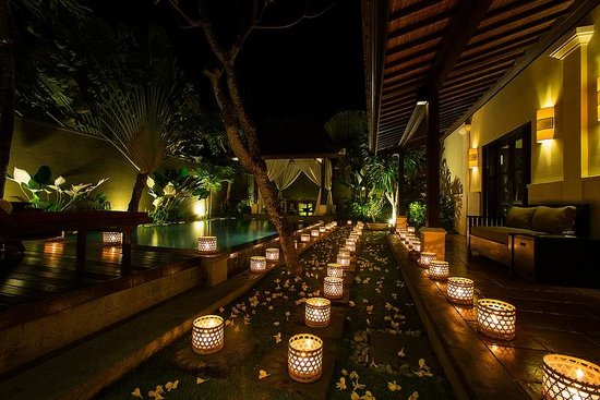 The Ulin Villas & Spa: 100 Candle light dinner.