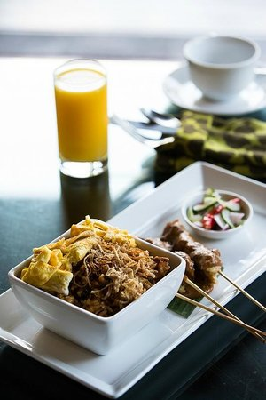 The Ulin Villas & Spa: Nasi Goreng with Satay!