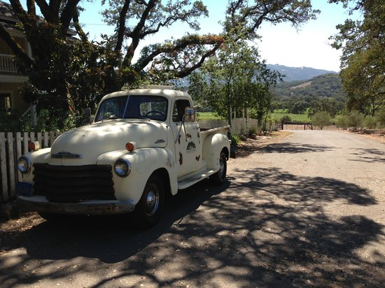 Beltane Ranch: Neat old truck in the driveway