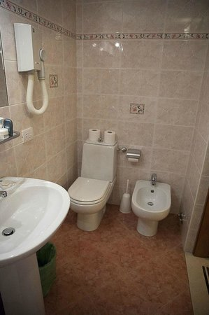 Hotel Casci: Bathroom in room 11