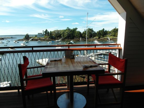 Oliver's at Cozy Harbor: upstairs deck, sweet!