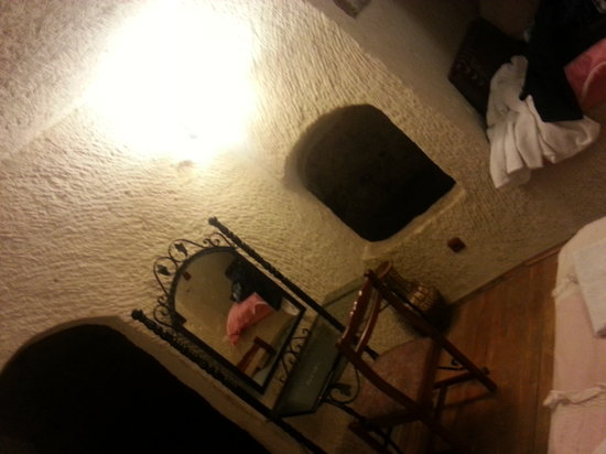 Katpatuka Cave Hotel: O quarto