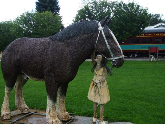 Mt. Hood Railroad: Woven figure of horse & girl @ the stop made during train ride (One Hour)