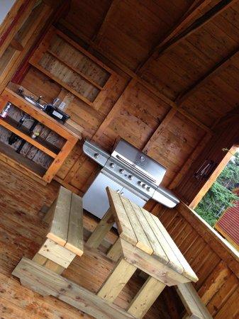 Nature Ocean Chalets : outdoor kitchen