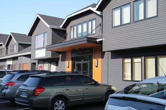 Best Western Plus Hood River Inn: The riverside suites