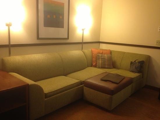 Hyatt Place San Antonio-North/Stone Oak: living area