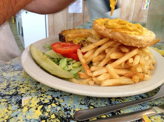 Sunflower Cafe: Burger