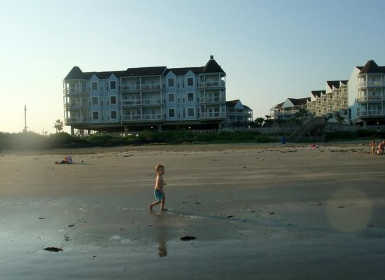 Seascape Condominium Rentals : View of Seascape from beach