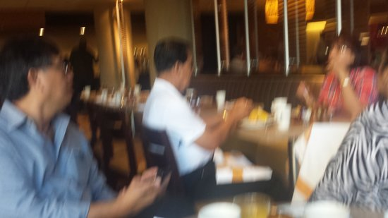 Hyatt Regency Crystal City at Reagan National Airport: restaurant buffet breakfast