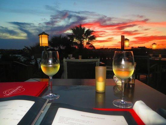 Boathouse Food & Marina: sunset at the boathouse