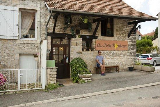 Au Petit Bonheur : Hidden.. deep in Burgundy