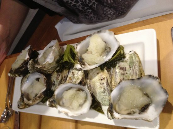 Tartare : natural oysters with tequila slussy