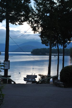 Bonnie View on Lake George: view from top of stairs to beach