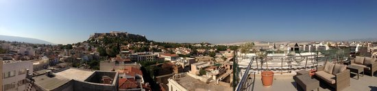 Plaka Hotel: Awesome view of Athens from roof lounge