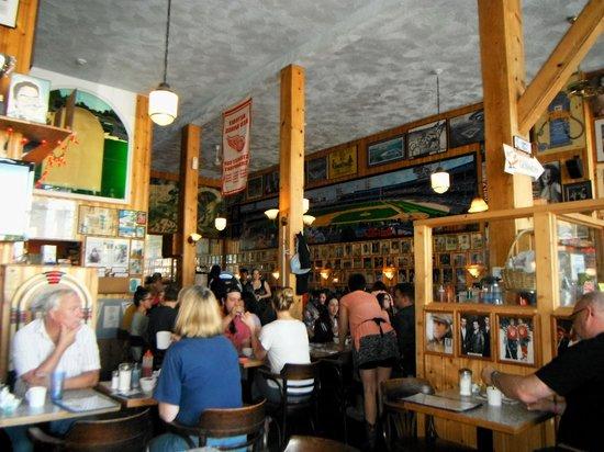 John's Place Restaurant: Wall Decor