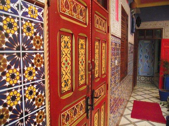 Hostel Riad Marrakech Rouge: colori