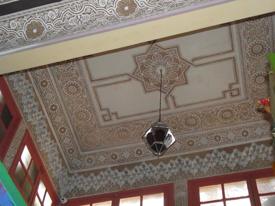 Hostel Riad Marrakech Rouge : soffitto