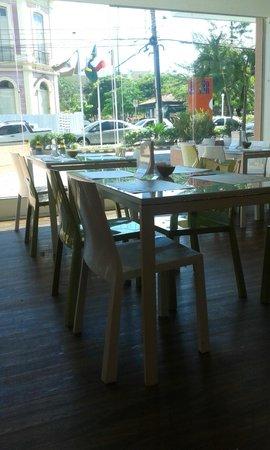Go Inn Manaus: Vista do salão de café
