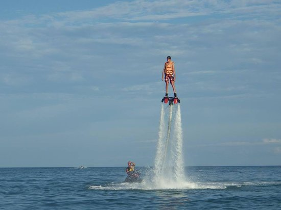 Flyboard Koh Samui Chaweng Beach: easy for him !!!