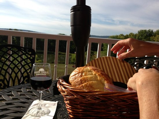 Sunset Hills Vineyard: Wine, cheese, pepperoni and bread...  Oh and what a view!