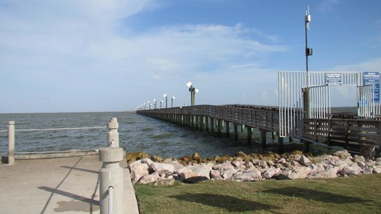 Pier picture of sylvan beach park la porte tripadvisor for La porte houston texas