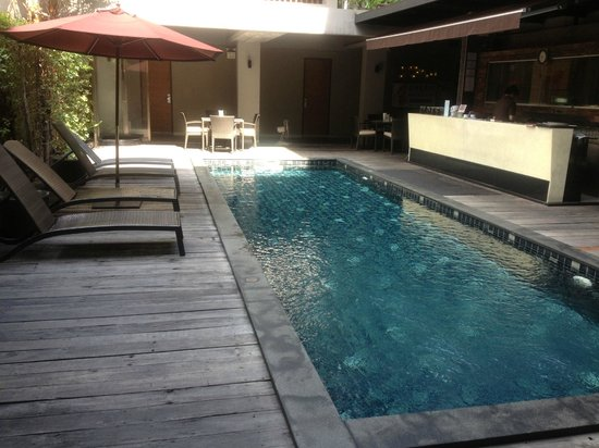 Siam Swana Hotel: Pool area