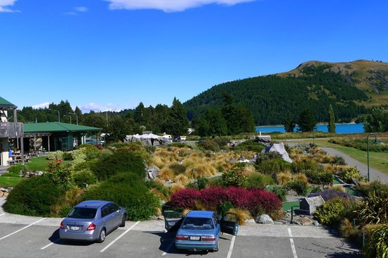 Lake Tekapo Village Motel: Car park