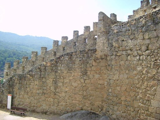 La muralla de Brejar: Muralla desde afuera