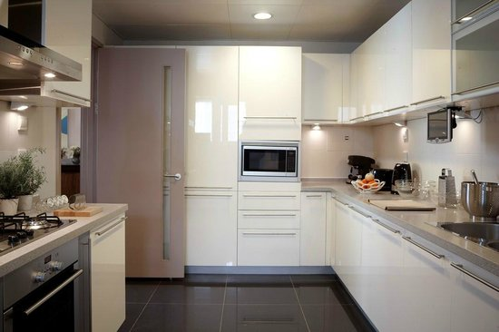 Lanson Place Central Park Serviced Residences: Kitchen