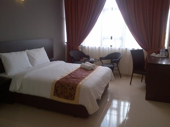 Inn Home Hotel: hotel bed