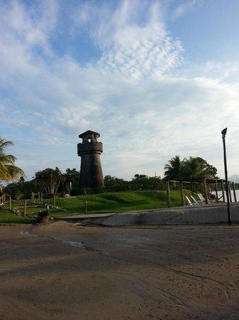 Amatique Bay Resort & Marina: La vista de la área or the view of the the area