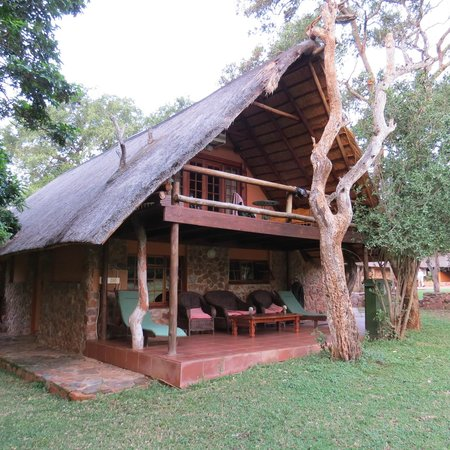 Blyde River Canyon Lodge: Outside view.  Lovely upper deck.