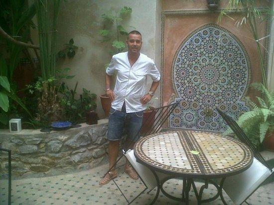 Riad Dar Palmyra: la fuente de l patio