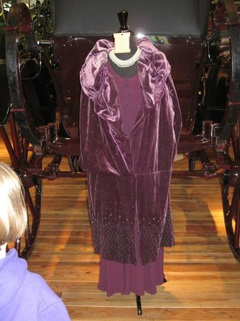 Northwest Carriage Museum: Period Clothing