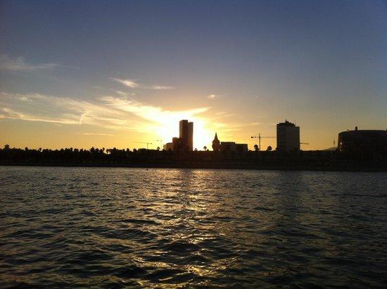 Business Yachtclub Barcelona: Atardecer desde el mar