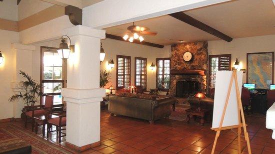 BEST WESTERN PLUS Hacienda Hotel Old Town: Lobby