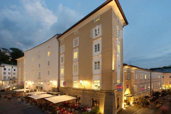 Star Inn Hotel Salzburg Gablerbrau: Hotel Außenansicht