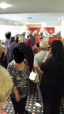Britannia Leeds Hotel: The daily queue for food