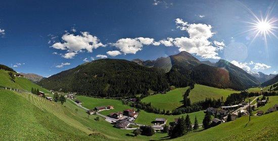 Hotel zum grünen Tor: Tuxer Alpen