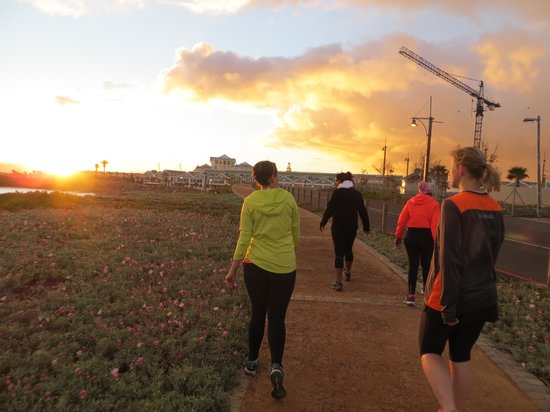 Run Cape Town: Running along the boardwalk towards the V&A Waterfront