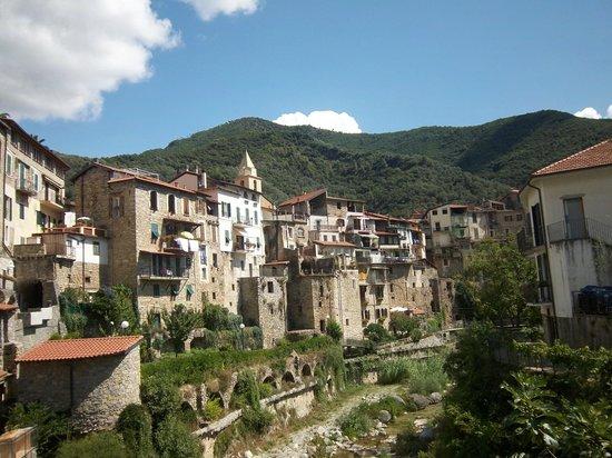 La casa rosa imperia italien omd men och for La casa rosa milano