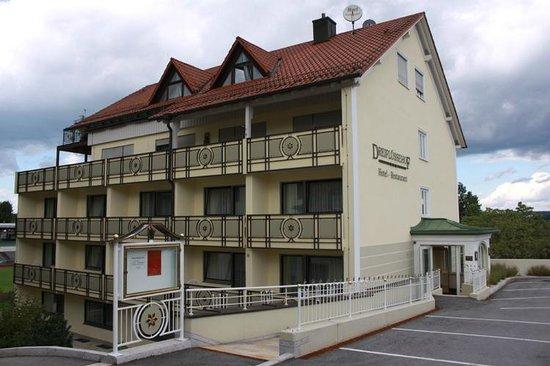 Hotel Restaurant Dreiflussehof: Außenansicht